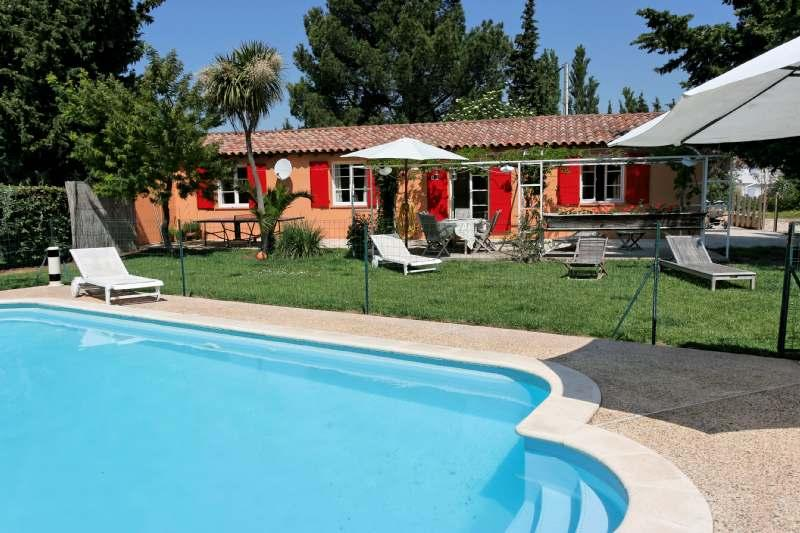 Extérieur - Wonderful 3 Bedroom Vacation Home, Near the Camargue and the Alpilles - Arles - rentals