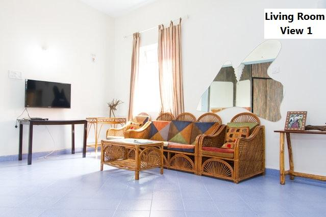 Living Room A - Casa by the Beach , Calungate ( Walkable to Calungate Beach ) - Goa - rentals