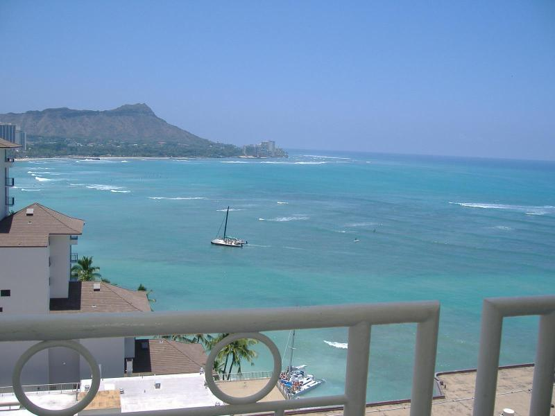 Rare Diamondhead Views from your Front Door - Penthouse 2 at the Waikiki Shore! - Honolulu - rentals
