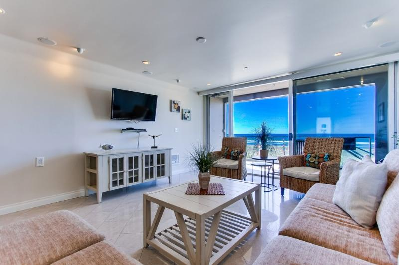 Stunning OCEAN FRONT Retreat!!! - Image 1 - Pacific Beach - rentals