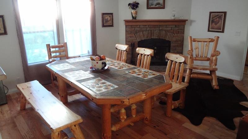Dining Area would comfort up to 10 people - LUXURY, Brand New Cabin, Walk to lake and Sledding - Big Bear City - rentals