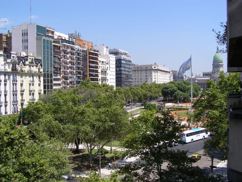 Plaza del Congreso y cúpula del Congreso Nacional desde el balcón.   - 505 ft², Central, Views fr Balcony, Bright, Garage - Buenos Aires - rentals