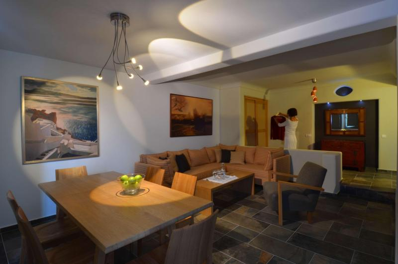 Property interior - SPACIOUS LUXURY STUDIO FOR RELAXING VACATION - Messaria - rentals