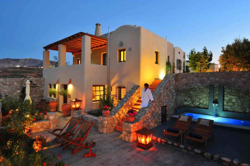 Property exterior - Luxury Architect Designed Cycladic House - Santorini - rentals