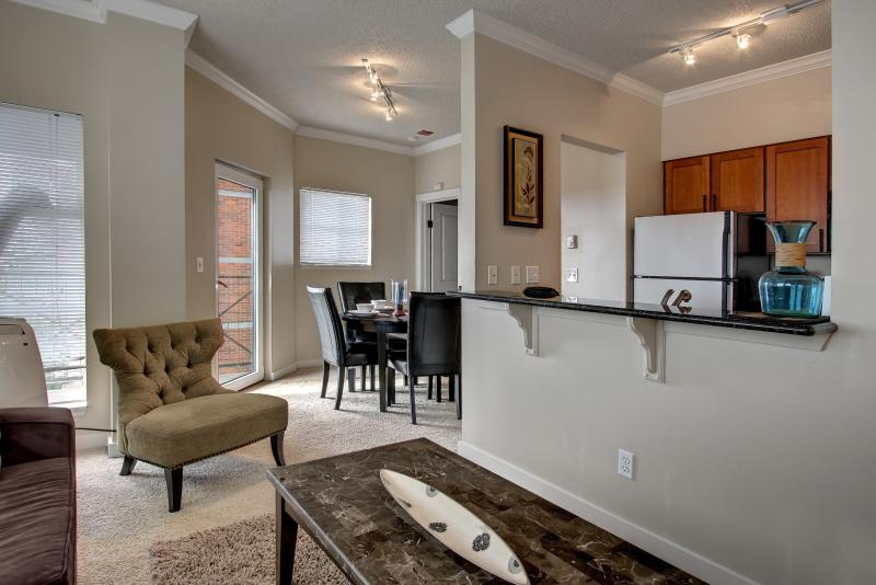 Stay Alfred Seattle Vacation Rentals Kitchen - Amazing South Western Avenue Apartment by Stay Alfred - Seattle - rentals