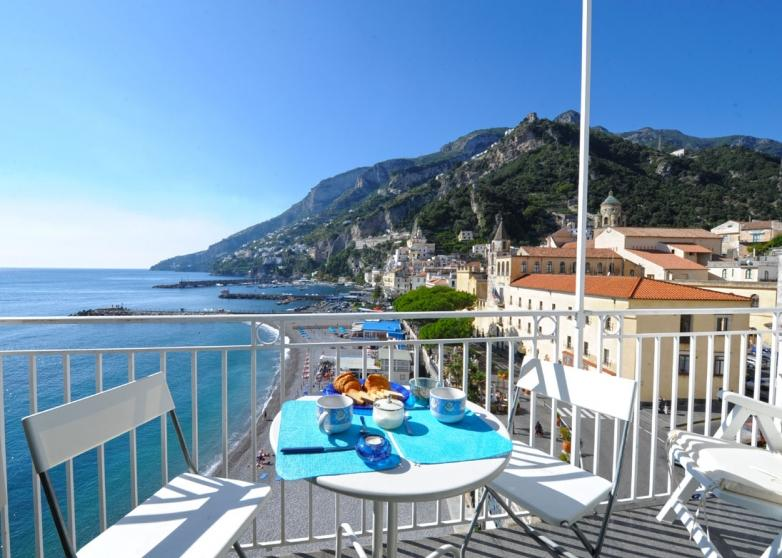 Dolce Vita B in the heart of Amalfi near beach - Image 1 - Amalfi - rentals