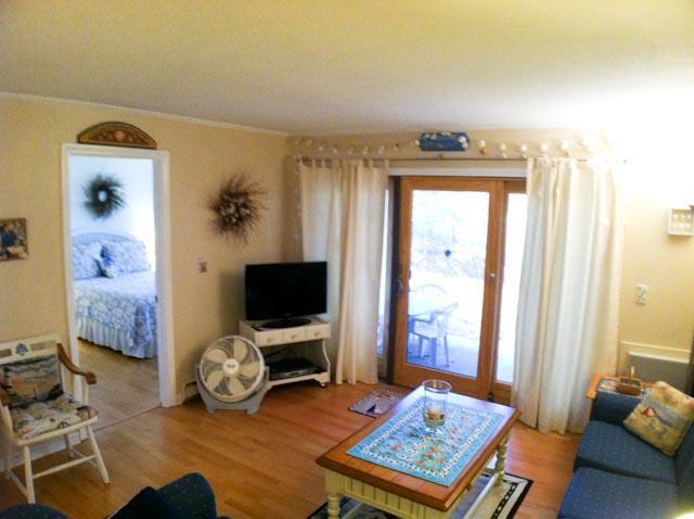 Living Area - Ocean Edge - RENOVATED - Street Level - EA0538 - Brewster - rentals