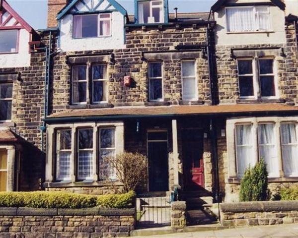 CRSOF101bLEE - The Tops 3 - Image 1 - Leeds - rentals