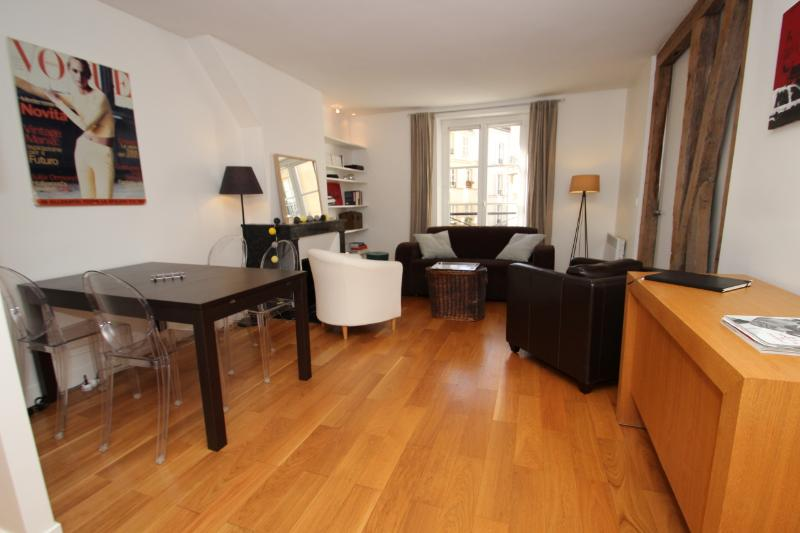 Shiny 2 bedrooms flat in Pigalle/Batignolles - Image 1 - Whiteparish - rentals