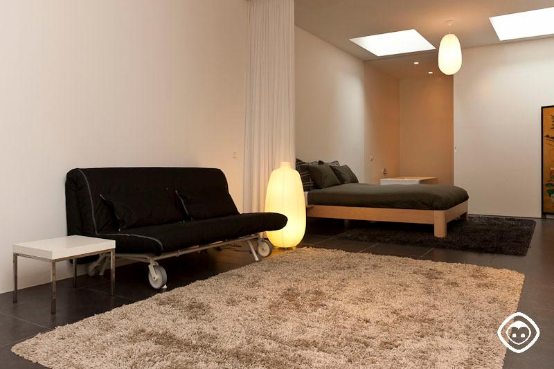 Living Room with Bed White Room Koestraat Apartment Amsterdam - White Room apartment Amsterdam - Amsterdam - rentals