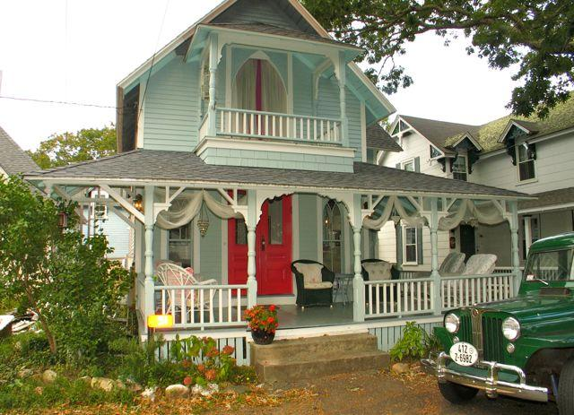 Gingerbread Cottage In The Heart Of Oak Bluffs (358) - Image 1 - Massachusetts - rentals