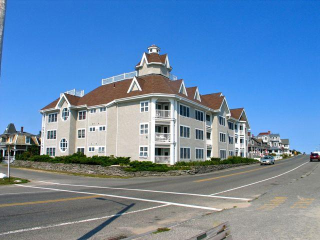 Seaview Condo In Heart Of Oak Bluffs! (164) - Image 1 - Massachusetts - rentals