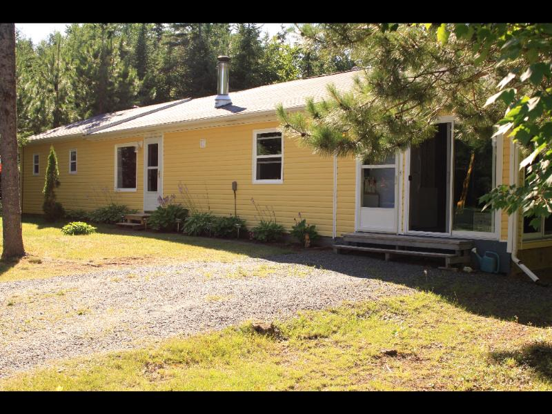 Guest House / Executive Cottage - Forest & Stream Cottages Guest Home / Exec Cottage - Murray Harbour - rentals