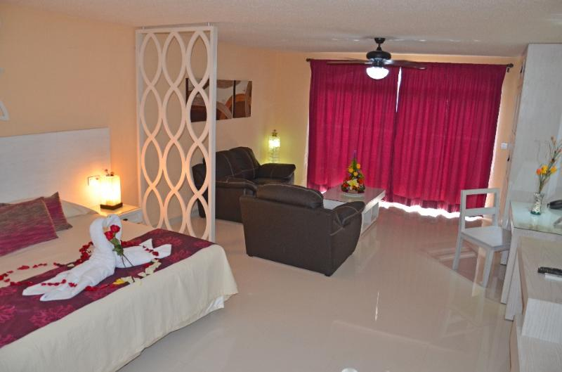 Brand New Condo on 5th Ave with 14st. Luxury in the Heart of Playa. - Image 1 - Playa del Carmen - rentals