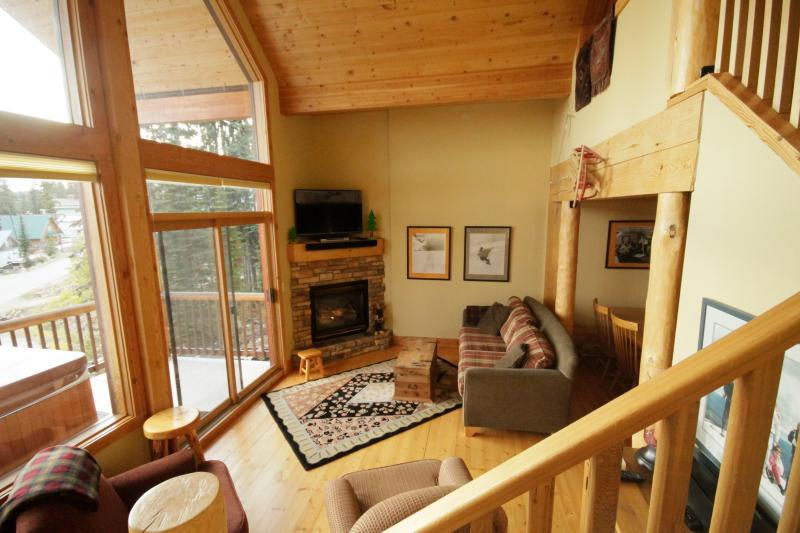 Great Room - Fantastic Location and Comfort at Big White Resort - Big White - rentals