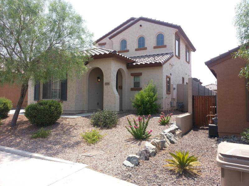 Front View - Northwest Phoenix Desert Escape - Gated Community, Safe & Serene - Peoria - rentals