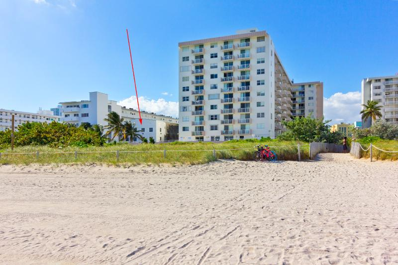 PRISTINE RENOVATED OCEANFRONT APARTMENT BRAND NEW! - Image 1 - Miami Beach - rentals
