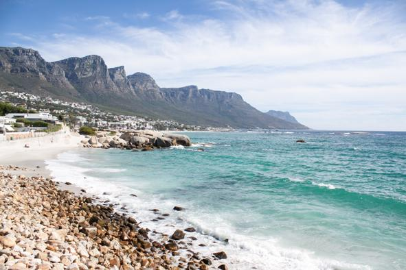 LUXURY GLEN BEACH BUNGALOW SLEEPS 12 - Image 1 - Camps Bay - rentals