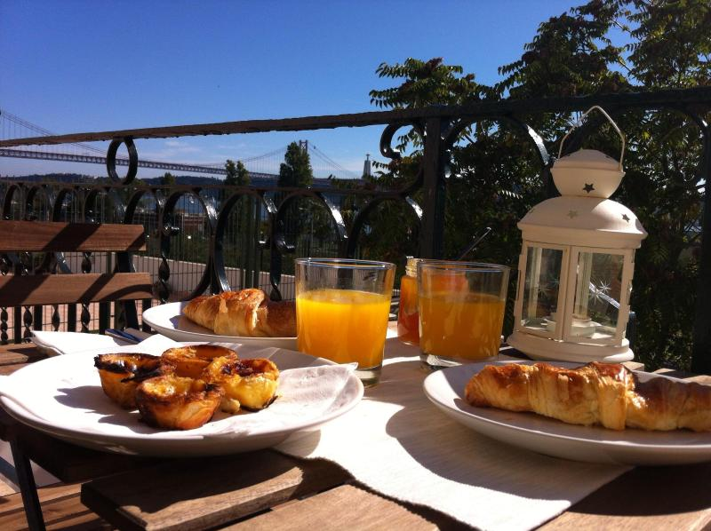 Sun & River view while you take breakfast - Lisbon Riverside View - Belém 2 - Lisbon - rentals