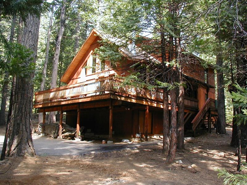 Cabin Summer - Beautiful Sierra Chalet  -by Arnold in Big Trees - Arnold - rentals