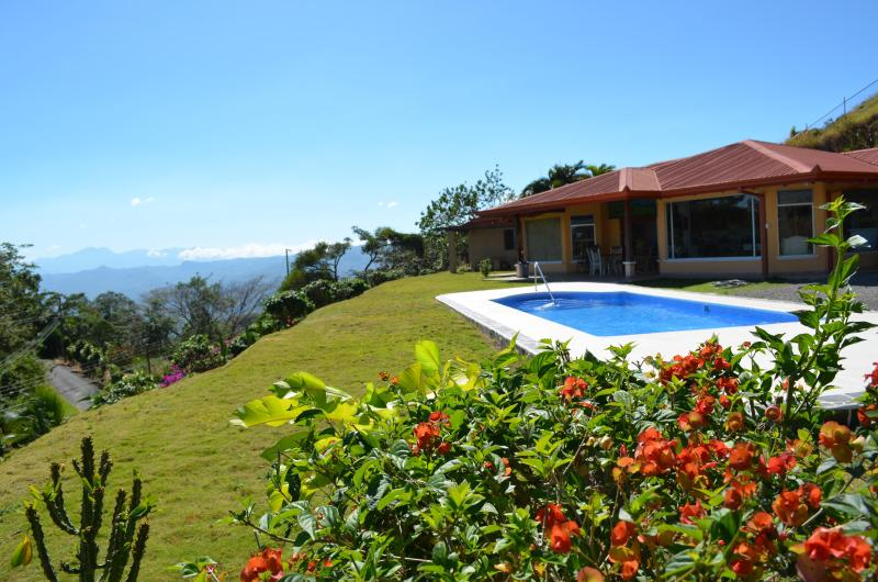 Main house and heated pool - Perfect Base For Your Costa Rican Adventure - Atenas - rentals