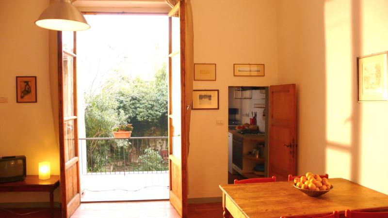 Living and Dining Room - Quiet and luminous with balcony Apartment Dora - Florence - rentals