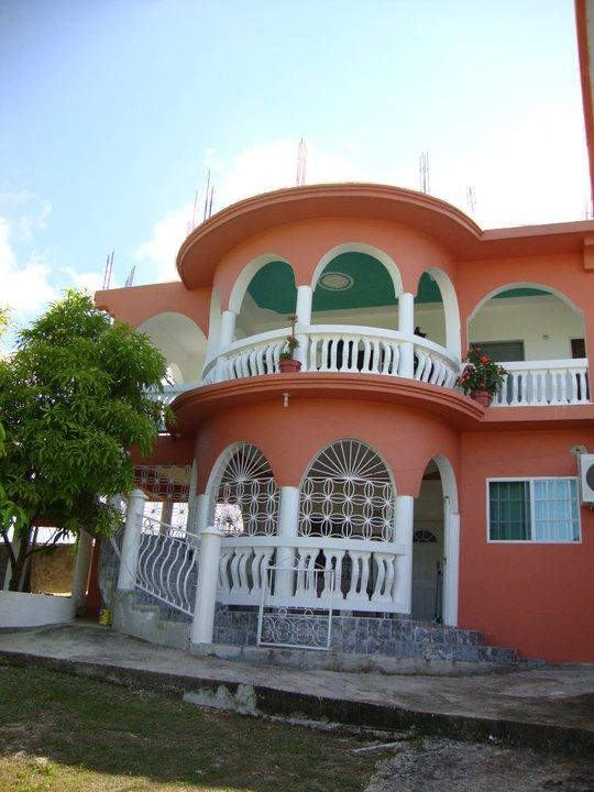 look from outside - Pablo's Escape Guesthouse - Negril - rentals