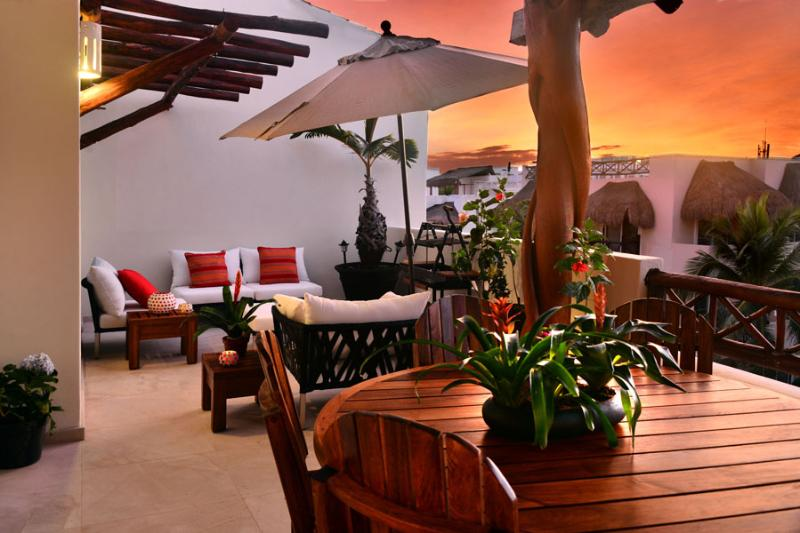 Las Olas 306 Three Bedrooms Penthouse - Ocean View terrace - Image 1 - Playa del Carmen - rentals