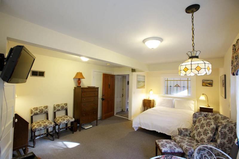 Delmar Cottage - Image 1 - Forest Knolls - rentals