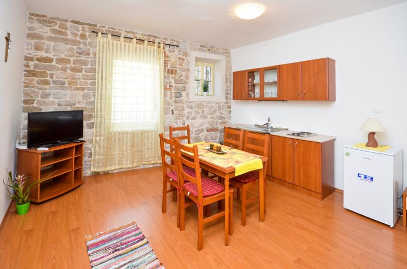 Apartment Mihovil - 28871-A1 - Image 1 - Sibenik - rentals