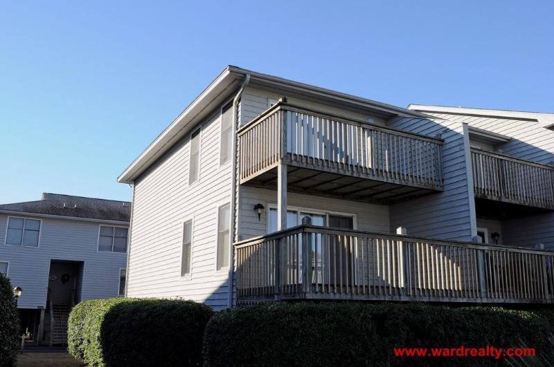 Exterior - Community Pool & Short Stroll to Beach - The Turtle Nest - Surf City - rentals