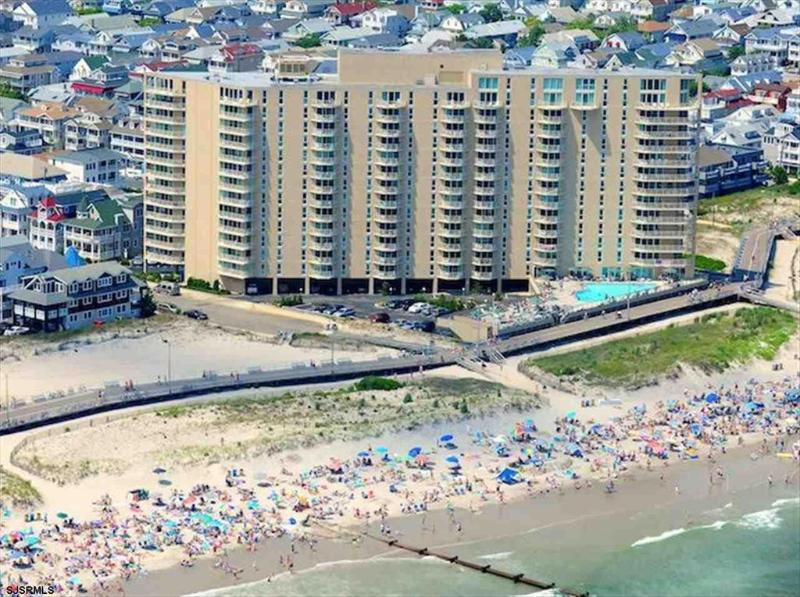 Gardens Plaza Unit 1512 3702 - Image 1 - Ocean City - rentals