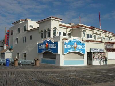 818 Boardwalk, 3rd Floor, Unit #3 112963 - Image 1 - Ocean City - rentals