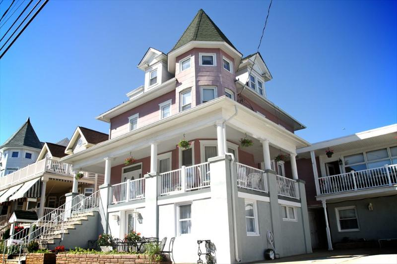 The Victorian Inn B 117114 - Image 1 - Ocean City - rentals