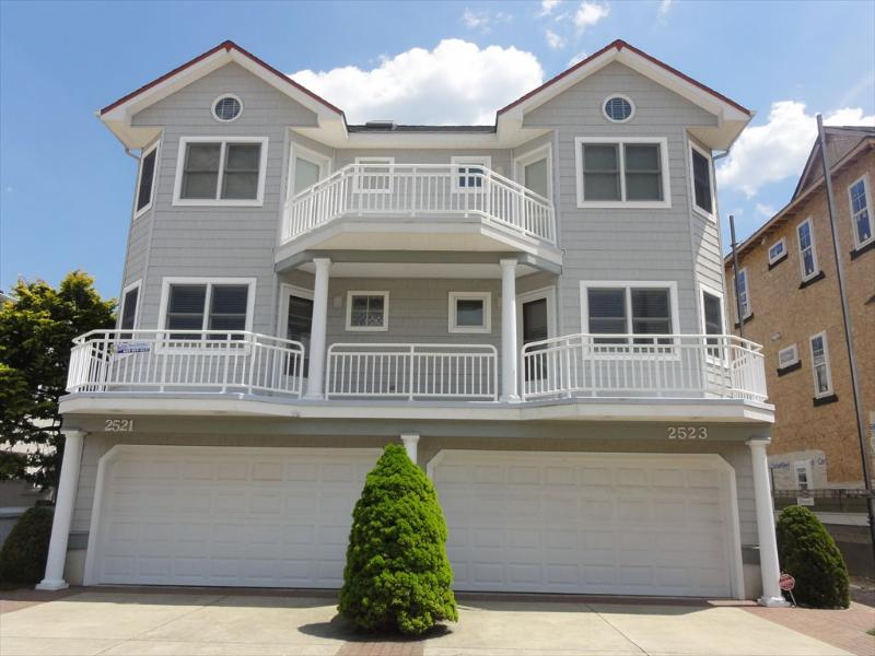 Exterior View From Street - 2521 Wesley Avenue 1st 118389 - Ocean City - rentals