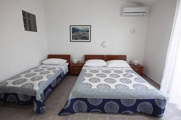 Apartments Snježana - 43781-A1 - Image 1 - Igrane - rentals