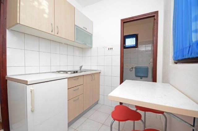 Apartments Mario - 37351-A3 - Image 1 - Okrug Donji - rentals