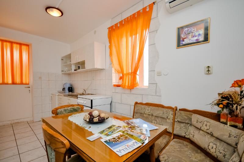 Apartments Ivan - 43981-A2 - Image 1 - Kastel Stafilic - rentals