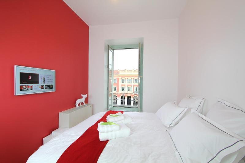 Bedroom with 180cm bed - Beautiful 1 Bedroom Design Loft in the Center, Nice - Nice - rentals