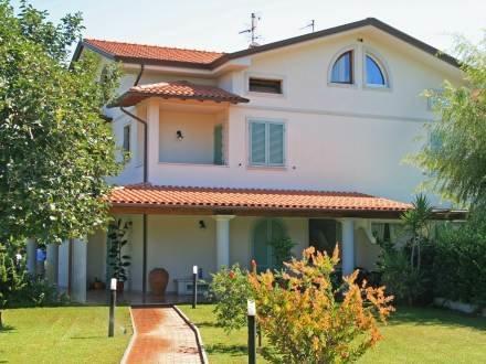 Villa Steven ~ RA33903 - Image 1 - Forte Dei Marmi - rentals