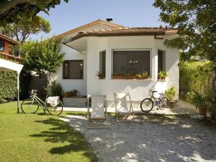 Villa la bella ~ RA33888 - Image 1 - Forte Dei Marmi - rentals