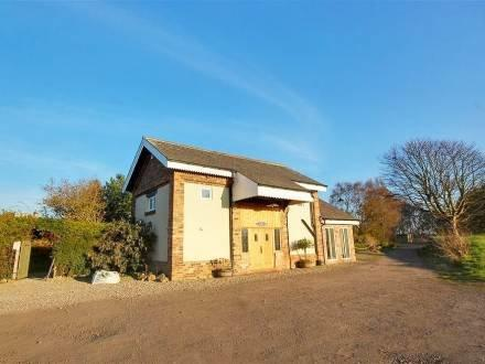 The Old Goods Shed ~ RA29733 - Image 1 - Burniston - rentals
