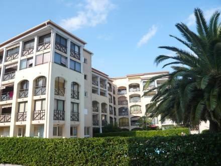 Les Coralines ~ RA28893 - Image 1 - Saint-Maxime - rentals