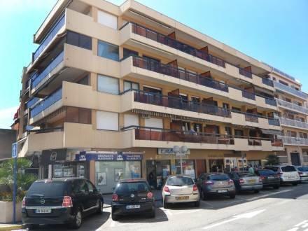 Azur ~ RA28887 - Image 1 - Saint-Maxime - rentals