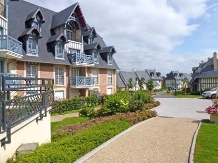 Résidence Les Coteaux ~ RA24705 - Image 1 - Deauville - rentals