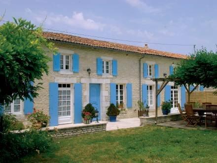 La Cagouille ~ RA25489 - Image 1 - Saint Jean d'Angely - rentals