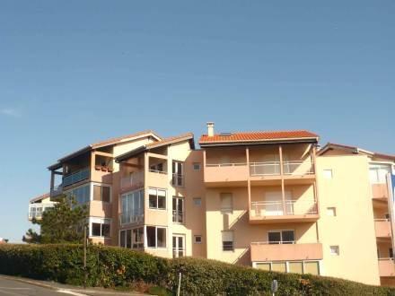 Résidence Ikusgary ~ RA25882 - Image 1 - Biarritz - rentals