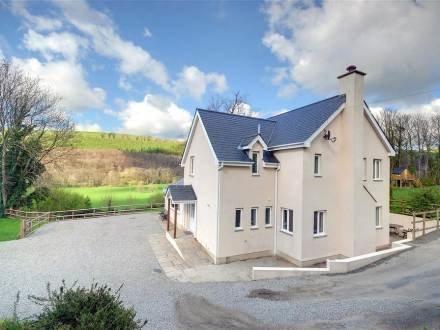 Priory House ~ RA29992 - Image 1 - Torrington - rentals