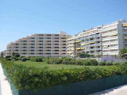 Grand Sud ~ RA26839 - Image 1 - Canet-Plage - rentals