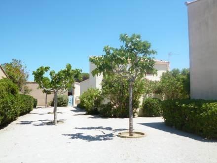 Les Jardins du Barcarès ~ RA26780 - Image 1 - Le Barcares - rentals